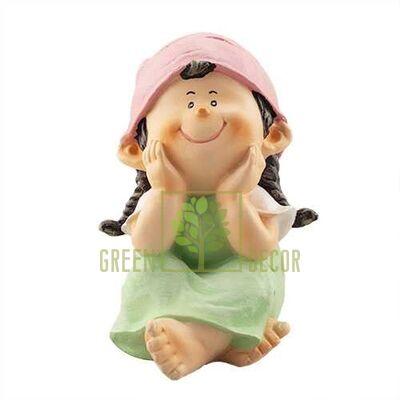 Фігурка Дівчинка посміхається