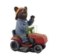 Фигурка Мишка садовник на тракторе малый