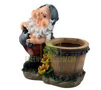 Садовая фигура Гном с бочкой